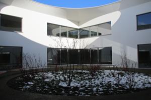 Kind - Kiga_Innenhof